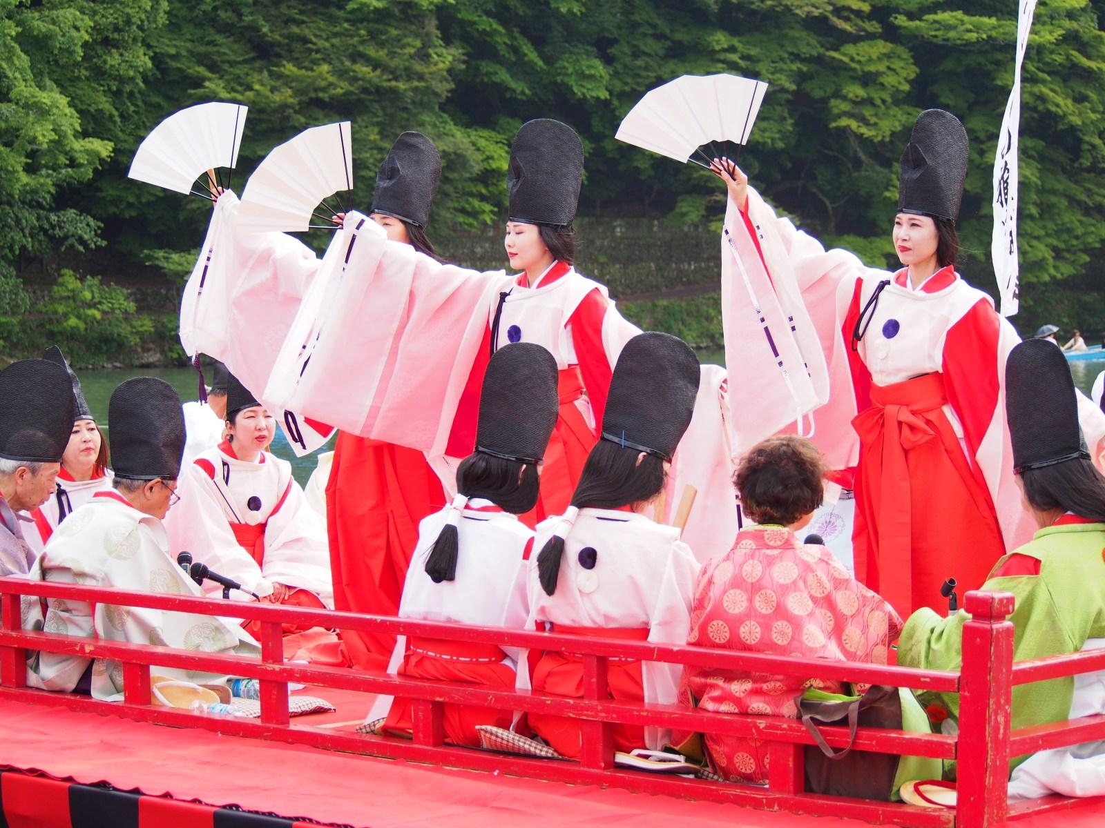 【三船祭】京都・嵐山で平安絵巻を再現した美にうっとり♪