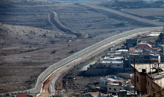 Golan border fence