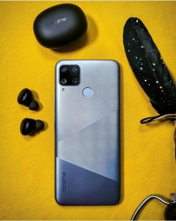 В сети показаны «живые» фото смартфона Realme C15 | Смартфоны ...