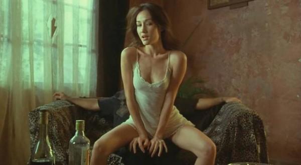 還記得當年的「赤裸特工」Maggie Q嗎?現在竟然變成這樣子...但是身材好的嚇人啊!