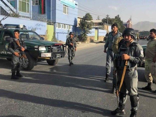 خود کش بمبار نے سیکیورٹی چیک پوسٹ پر چیکنگ کے دوران خود کو دھماکے سے اڑایا ۔ فوٹو : فائل