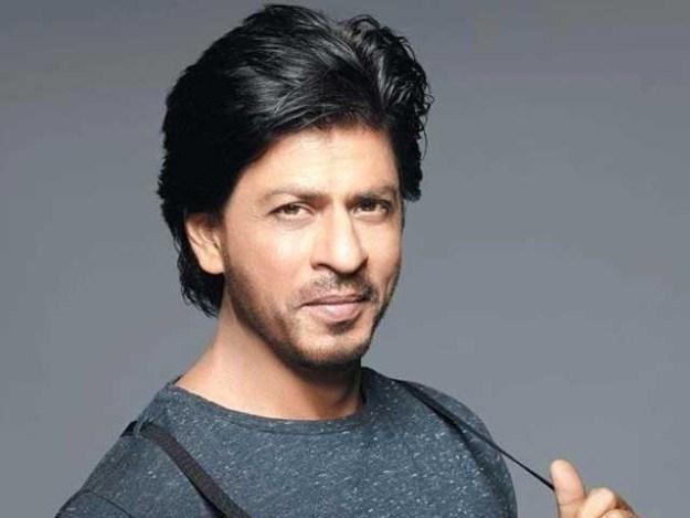 ٹوئٹر پر شاہ رخ خان کے فالوورز کی تعداد 28 ملین سے تجاوز کرگئی۔ فوٹو: فائل