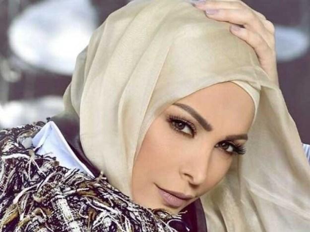 امل نے اسلامی شعائر کے مطابق زندگی گزارنے کا فیصلہ کیا ہے۔ فوٹو:فائل