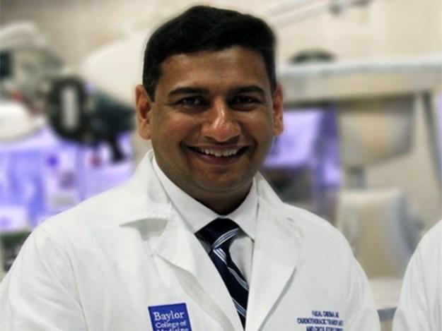 ڈاکٹر فیصل اپنے ساتھی ڈاکٹر جیفری مورگن کے ساتھ مل کر ہارٹ ٹرانسپلانٹ پر جدید تحقیق کریں گے،فوٹو:فائل
