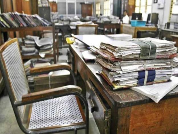 ملازمین کو تعیناتی کے اصل مقام پر رپورٹ کرنے کے لیے تین دن کی مہلت دی ہے،عبدالرشید سولنگی۔ فوٹو: فائل