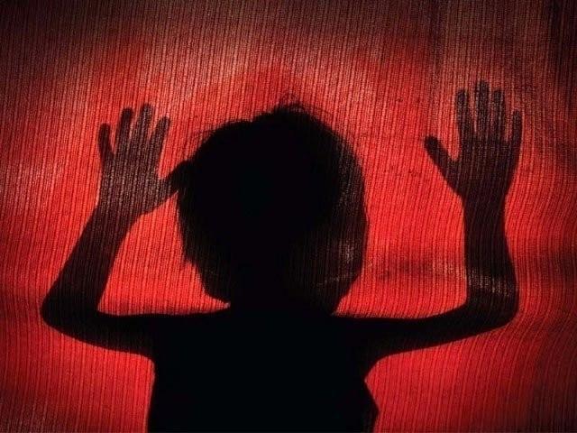 خیبر پختونخوا حکومت کا زیادتی وقتل کے ملزمان کو عبرتناک سزائیں دینے کیلیے قانون سازی کا فیصلہ