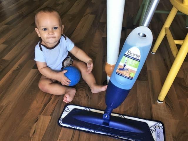 کیمیائی مصنوعات سے فرش کی صفائی ، بچوں میں دمے کی وجہ قرار