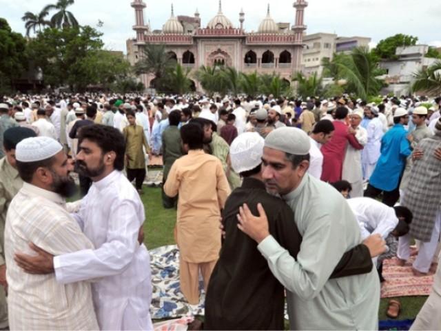 ملک بھر میں عیدالفطر مذہبی جوش وجذبے کے ساتھ منائی جا رہی ہے