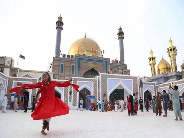 سندھ حکومت کا درگاہ لعل شہباز قلندر کو زائرین کے لیے کھولنے کا فیصلہ