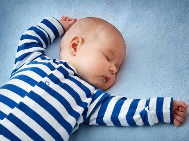 چھوٹے بچوں کی نیند ان کے دماغ کو تیزی سے بدلتی رہتی ہے