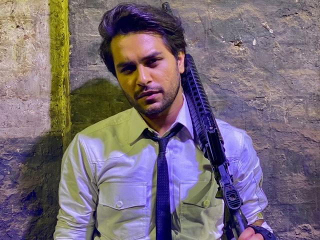 گلوکار عاصم اظہر قومی کرکٹرز کیلئے خطرے کی گھنٹی بن گئے