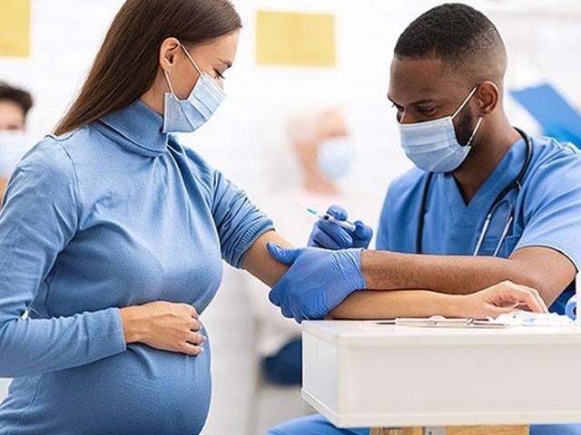 فائزر کی کورونا ویکسین کا حاملہ خواتین پر ٹرائل کا آغاز