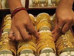 عالمی مارکیٹ اور پاکستان میں سونے کی قیمت کم ہوگئی