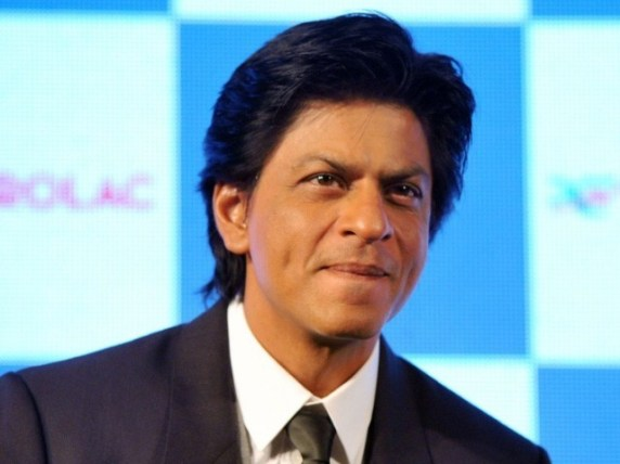 شاہ رخ خان نے غیراخلاقی سوال پوچھنے پر مداح کو شرمسار کردیا