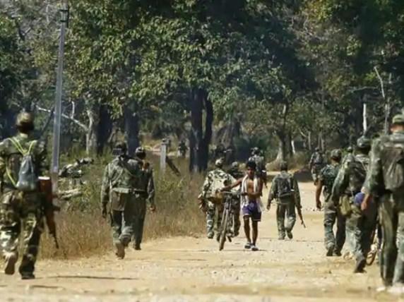 بھارت میں ماؤ نواز باغیوں کے حملے میں 22 فوجی ہلاک، 32 زخمی