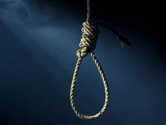 19 جولائی 2010 کو دوران ڈکیتی مجرم کی فائرنگ سے دکاندار اعجاز جاں بحق ہوگیا تھا ۔ فوٹو : فائل
