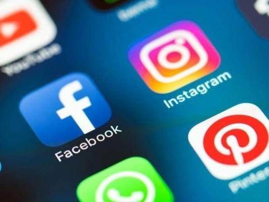 پی ٹی اے کو سوشل میڈیا سائٹس چند گھنٹوں کے لئے بند کرنے کی ہدایات جاری کردی گئیں۔ فوٹو : فائل