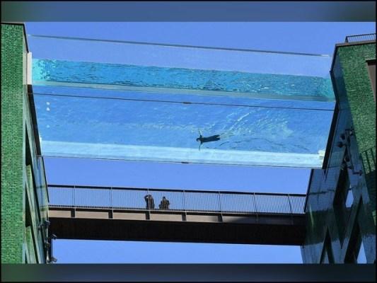سوئمنگ پول کی لمبائی 82 فٹ ہے جبکہ اس میں ایک لاکھ 48 ہزار گیلن پانی کی گنجائش ہے (تصاویر: سوشل میڈیا)