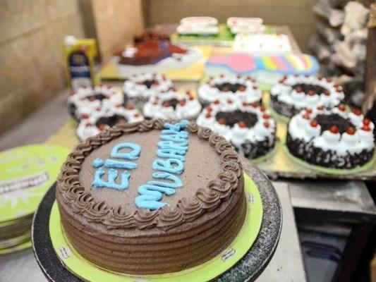 دکانوں میں مٹھائیوں اور کیک کا اسٹاک تیار نہیں کیا گیا ، محمد کلیم