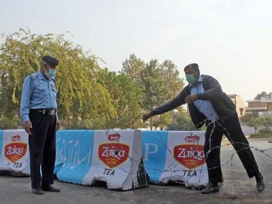 اسلام آباد میں 727 افراد کورونا کا شکار ہوکر جان کی بازی ہار چکے ہیں فوٹو: فائل