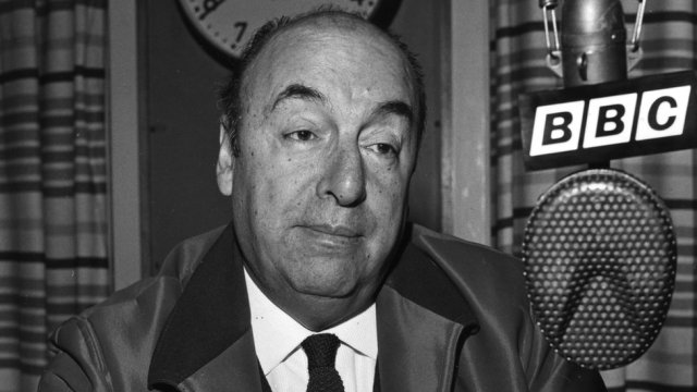 Pablo Neruda 'did not die of cancer', say experts