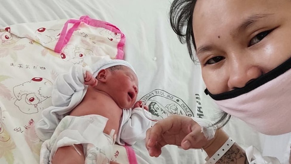 Baby River with her mother Reina Mae Nasino