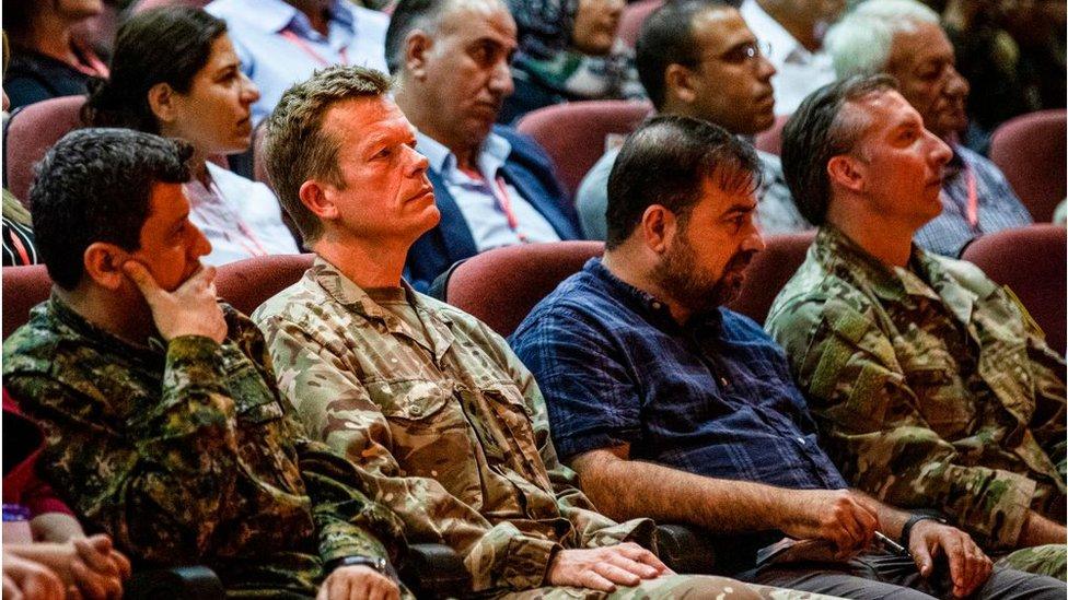 SDG Komutanı Mazlum Kobani ve ABD önderliğindeki koalisyon güçlerinin lideri Tuğgeneral Nicholas Pond, Ağustos 2019