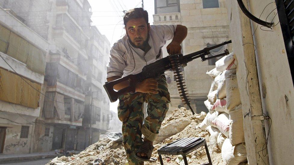 Los rebeldes de la oposición moderada sólo han recibido ayuda militar limitada de las potencias occidentales.