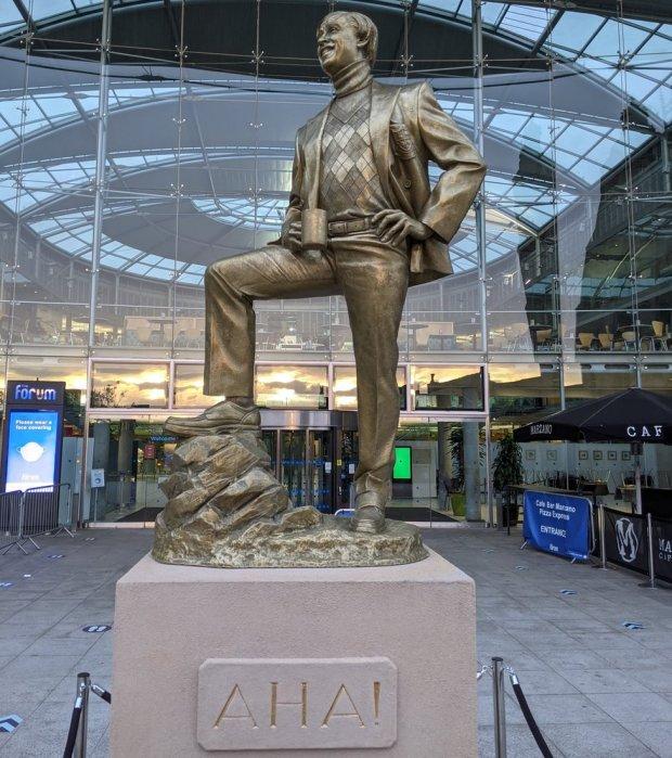 Alan Partridge statue