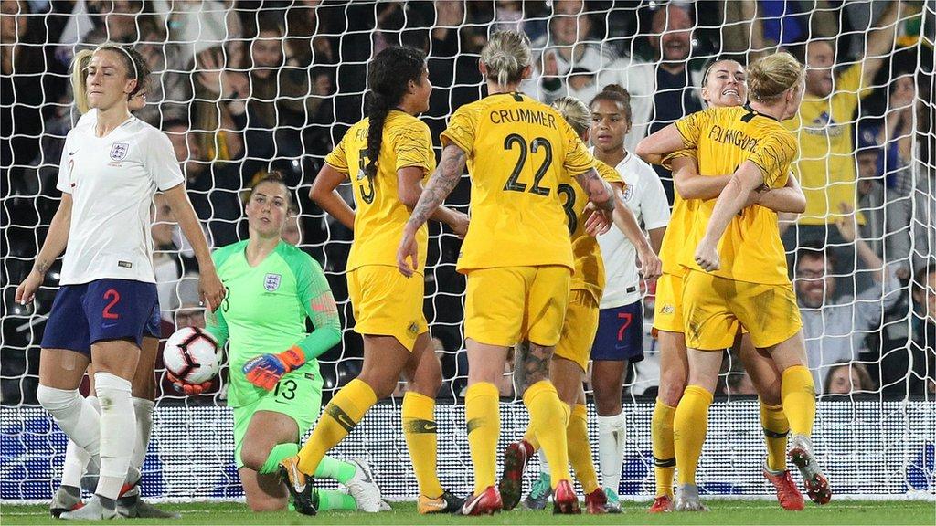 Listen to live England women v Australia women commentary - Live - BBC Sport