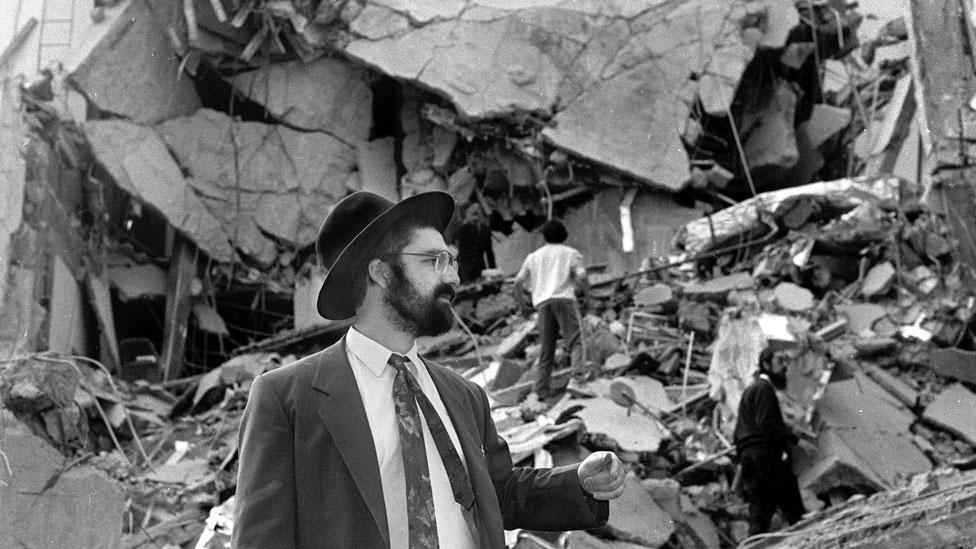 La AMIA tras la explosión del 18 de julio de 1994