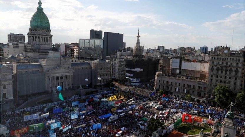 115807411 tv064387275 - Argentina activa el impuesto a la riqueza para combatir el coronavirus