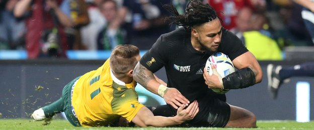 Ma'a Nonu scores New Zealand's second try