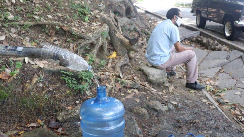 """113359512 img 3856 - Qué hay detrás de la """"fiebre"""" por excavar pozos en los edificios residenciales de Caracas"""