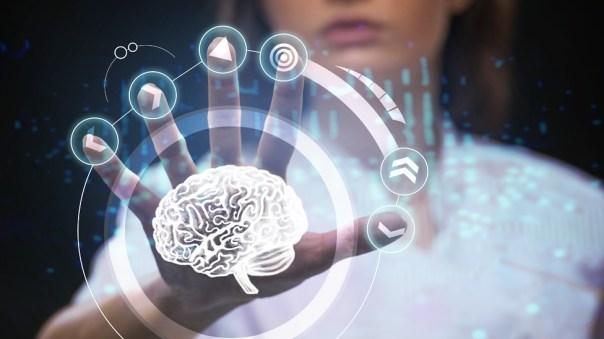 Ilustración de una mujer manipulando el cerebro