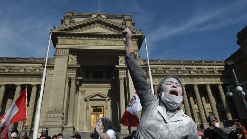 """115505743 gettyimages 1229621837 - Por qué solo hay 3 """"democracias plenas"""" en América Latina, según The Economist (y por qué empeoró la situación en 2020)"""