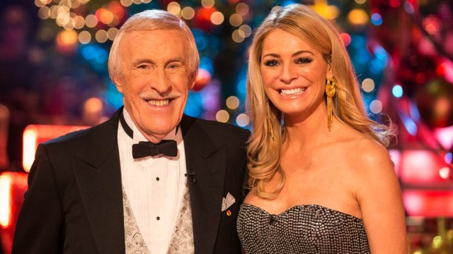 Sir Bruce Forsyth: Tributes to 'a national hero'