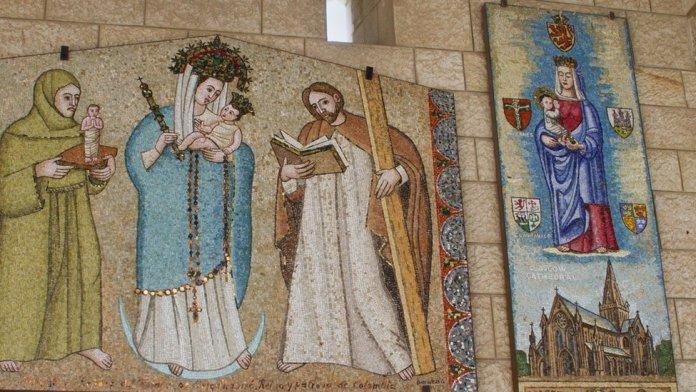Nossa Senhora representada com traços europeus