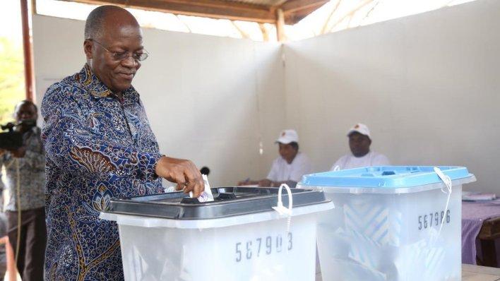 John Magufuli voting on 28 October 2020