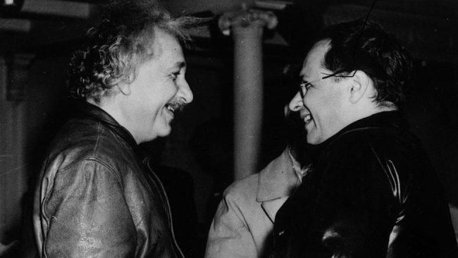 Albert Einstein ve Hans Albert, New York, 1937