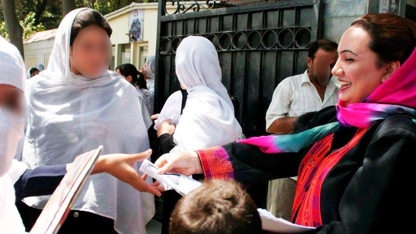 """120296255 1200 epa 51665341 - Afganistán: """"Mi disfraz en el aeropuerto de Kabul y cómo escapé del país"""""""