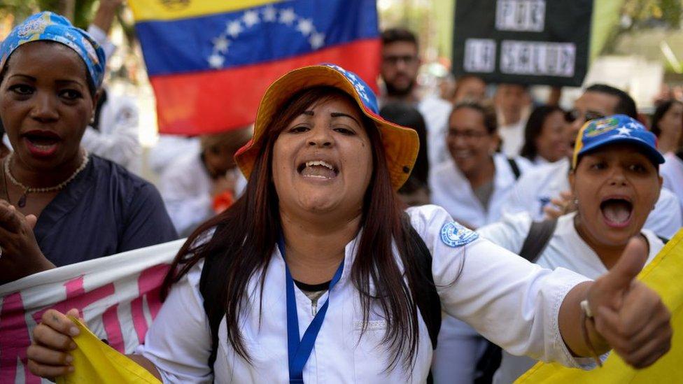 Los trabajadores sanitarios han realizado numerosas protestas por las malas condiciones de trabajo.