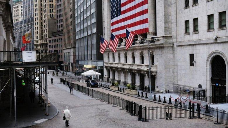 Wall Street desierta.