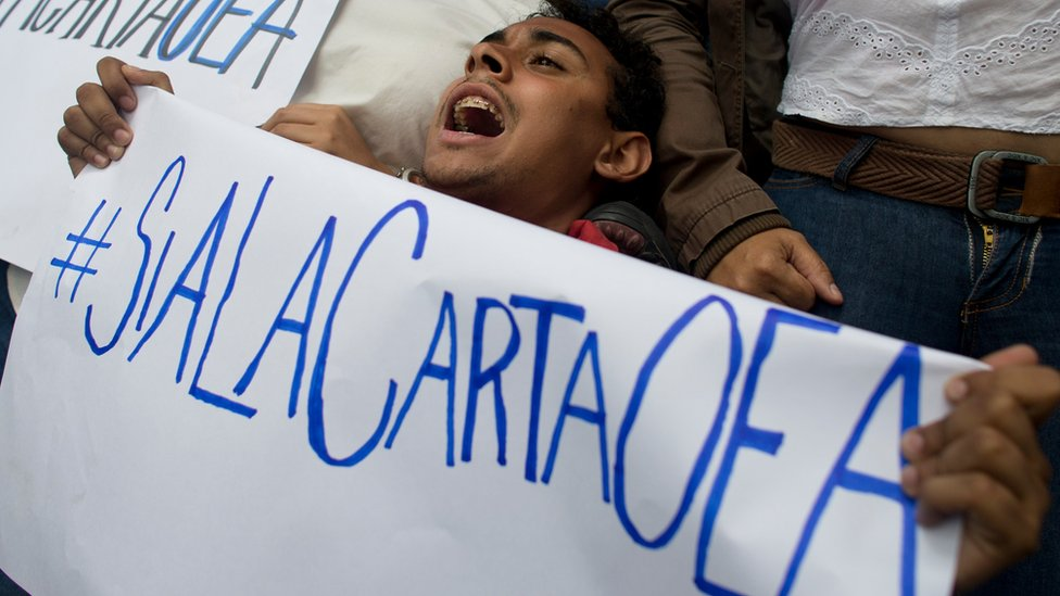 Opositor venezolano apoya activar la Carta de la OEA.