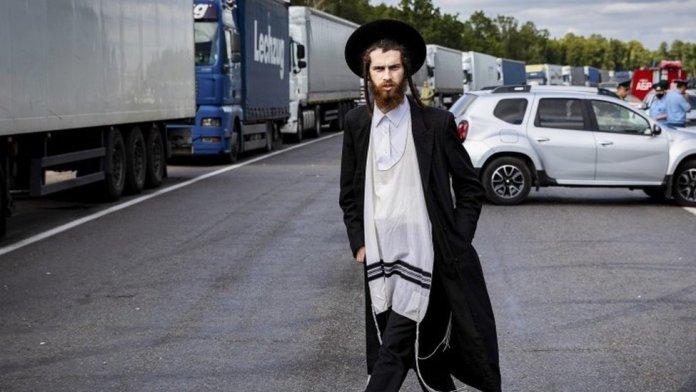 A pilgrim stranded between the Noviye Yarylovichi and Novaya Guta border points