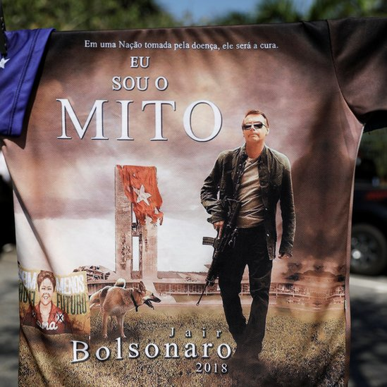 Camiseta de la campaña de Bolsonaro.