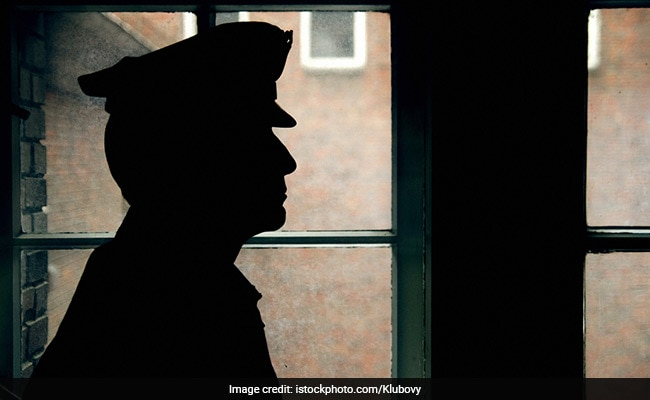 Telangana Policeman Shifts Pregnant Woman To Hospital In Hyderabad