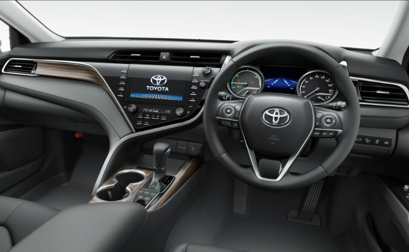 all new camry hybrid cara mematikan alarm grand avanza 2019 toyota key features explained in detail ndtv the gets a larger infotainment screen connected to jbl sourced 9 speaker dolby sound system wireless charging cruise control sunroof