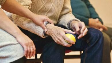 خرف المريض جرعة مفرطة ، توغلت عندما توفي: زوجة لرعاية المسنين 1