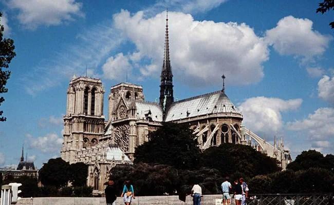 Paris's Notre-Dame's Square Closed Over Lead Pollution Risks
